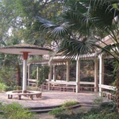 四川泸州财经学校